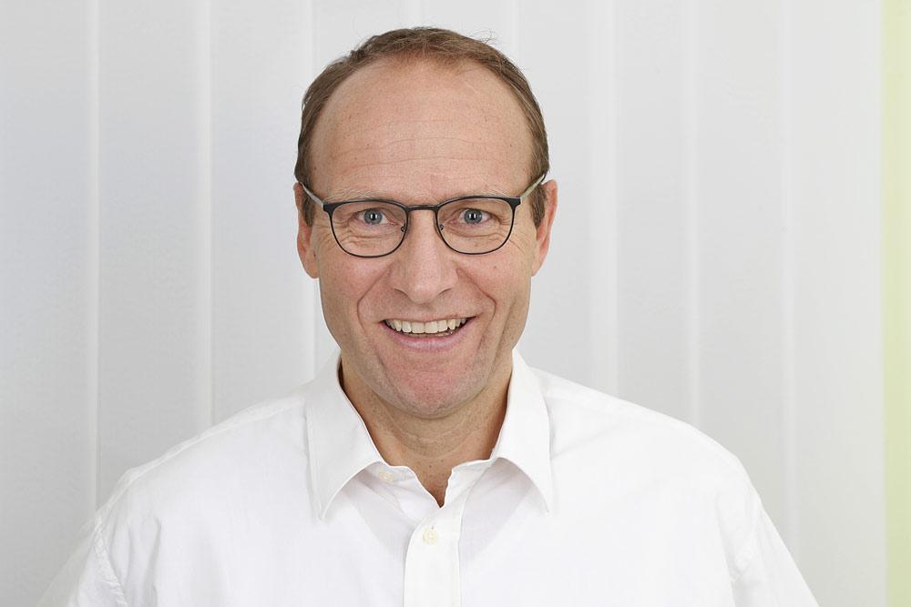 Dr. Tobias Grundei, Enddarmzentrum München-Bavaria
